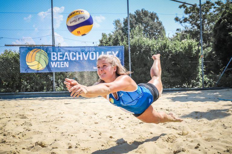 Jacky | Beachvolleyballerin